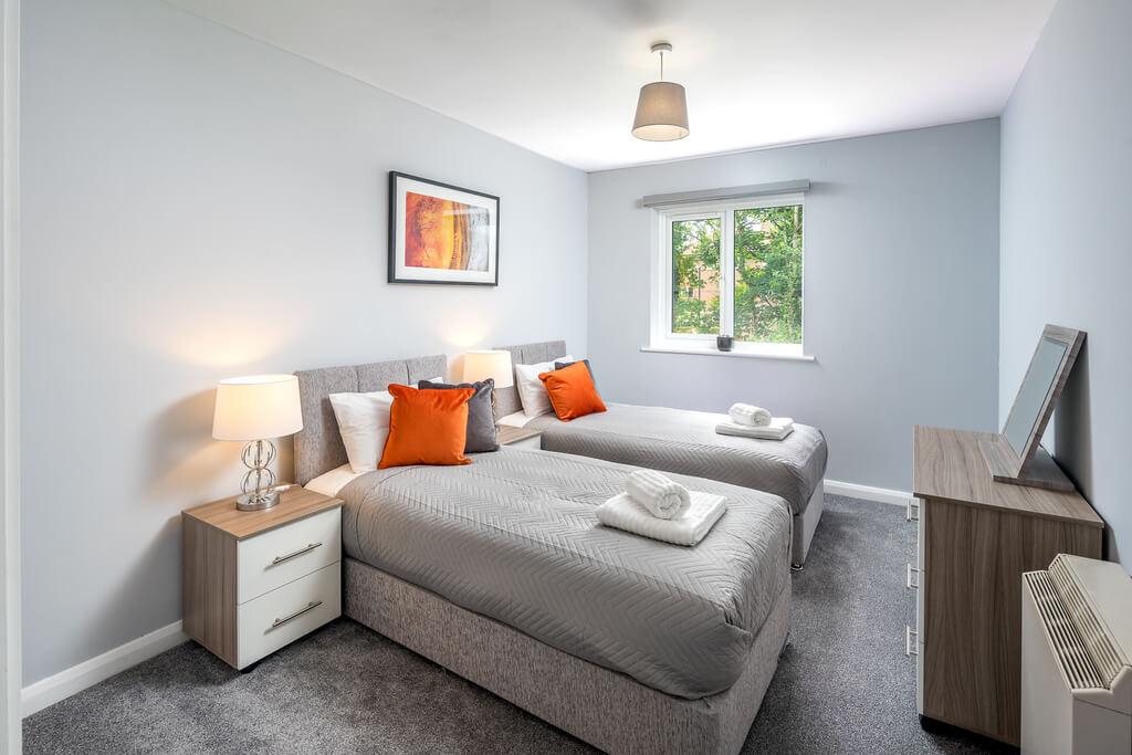 Crawley Thornhill Apartment