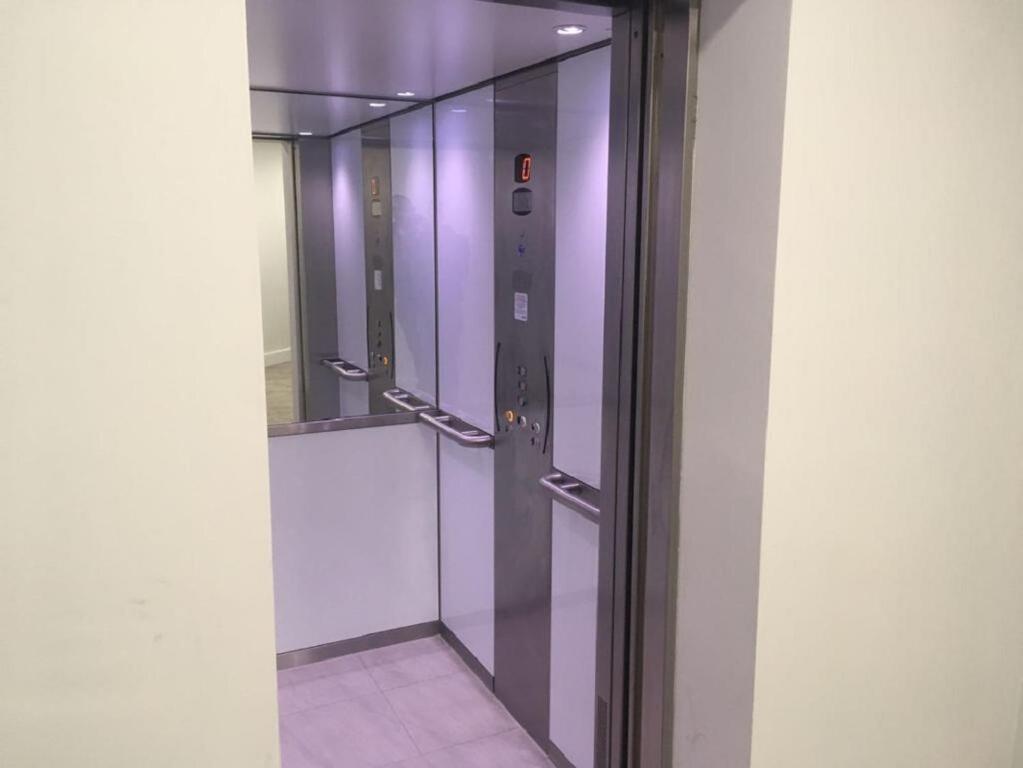 Riverside Park House Lift